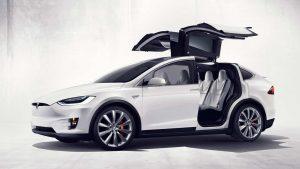 Schlüsselbatterie leer: vom Tesla ausgesperrt
