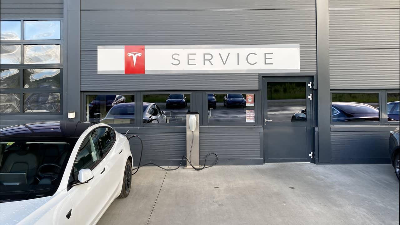 Tesla Service Center Wartungskosten