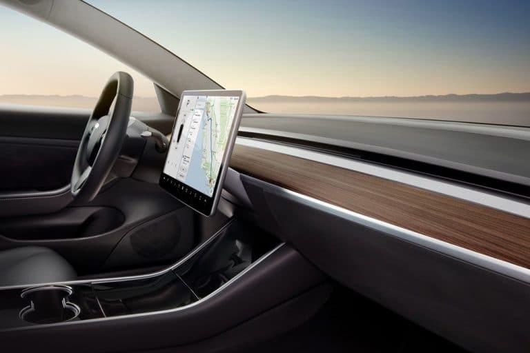 Tesla Model 3 Interior Sprachsteuerung Sprachbefehle
