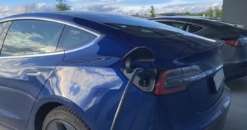 Wie lange dauert es einen Tesla zu laden