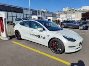 Tesla Fahrschule Divelab.ch