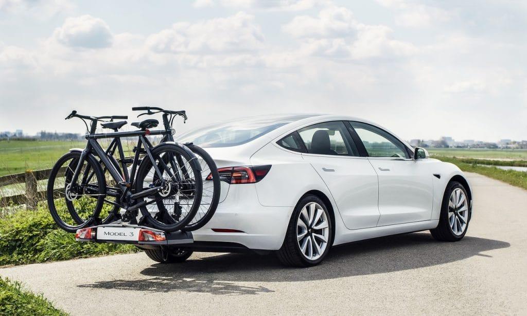 Tesla Anhängerkupplung Unterschiede pro Modell