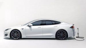 Wie kann ich den Tesla Akku möglichst schonend laden?