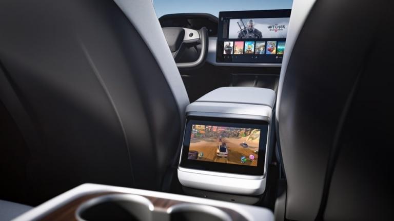 Tesla Model S 2021 Refresh 8-Zoll-Display hinten