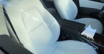 weiße Tesla Sitze reinigen