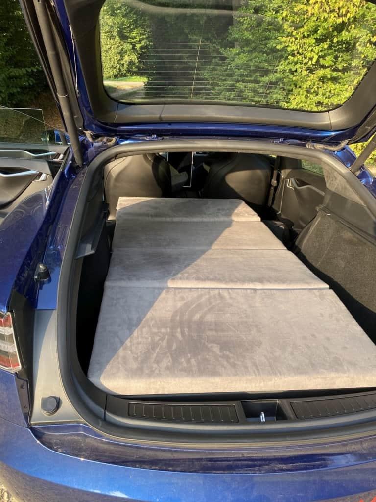 Tesla Dreamcase Matratze im Model S