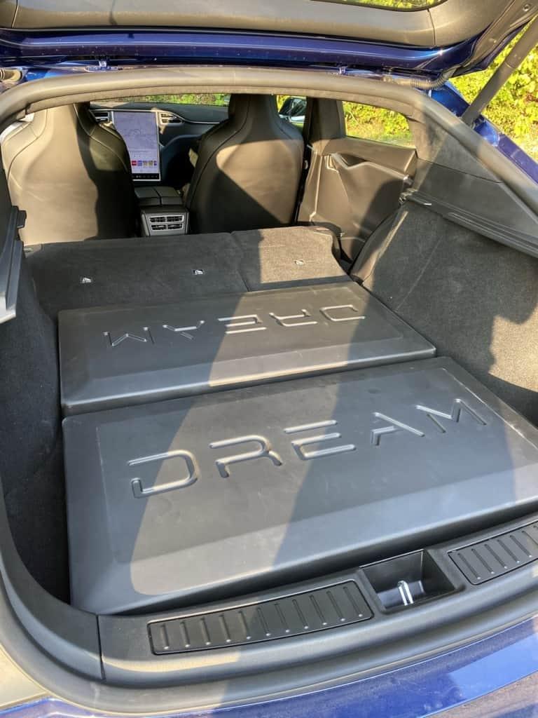 Tesla Dreamcase Stufenausgleich beim Model S