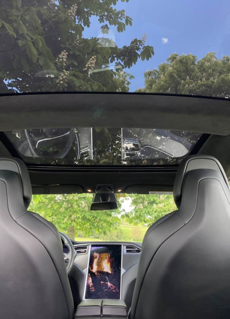 Tesla Kaminfeuer